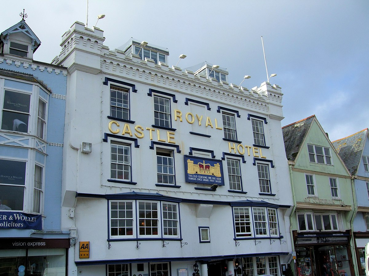 Royal castle hotel wikipedia for Sir francis drake hotel haunted history