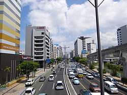 The main streets of Naha city.JPG