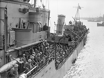 Troops evacuated from Dunkirk on a destroyer about to berth at Dover, 31 May 1940 Troops evacuated from Dunkirk on a destroyer about to berth at Dover, 31 May 1940. H1637.jpg