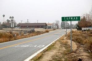 Tupman, California - Image: Tupman California guide sign and post office
