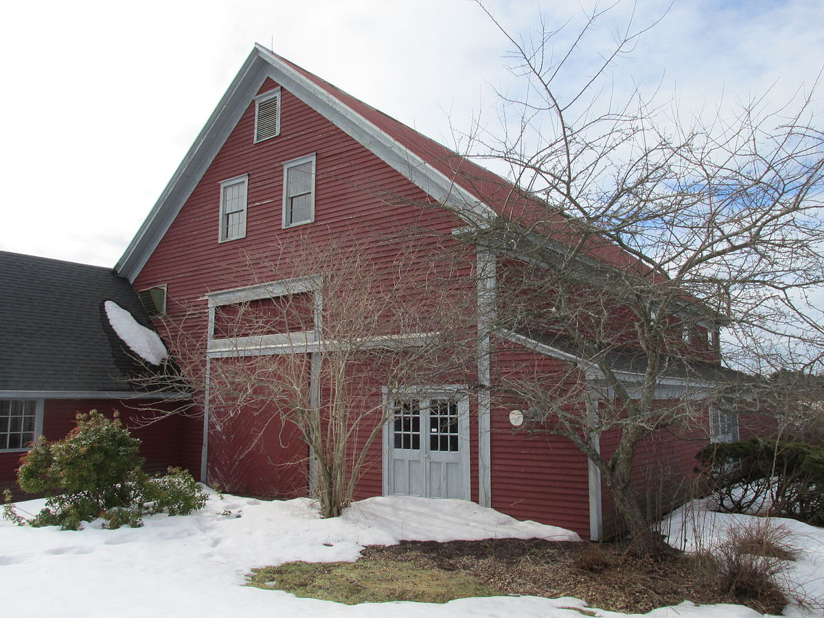 Tuttle 39 s red barn wikipedia for New england barns for sale