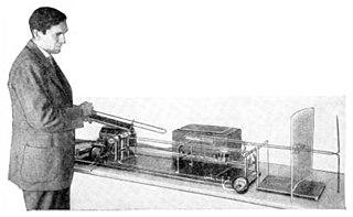 Barkhausen–Kurz tube high frequency vacuum tube electronic oscillator