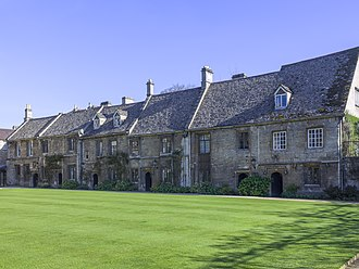 Worcester College, Oxford - Front view of medieval cottages.