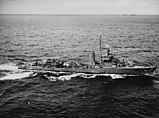 USS Morris (DD-417) underway at sea on 6 December 1943 (NH 107277).jpg