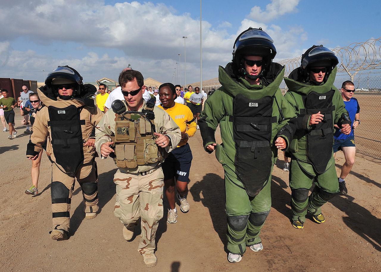 File:US Navy 110402-N-1755G-684 Explosive Ordnance Disposal 3rd ...