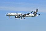 United Airlines Boeing 757-224(WL) - N14120 (21031936540).jpg