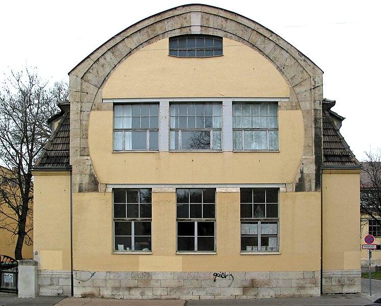 File:Van-de-Velde-Bau in Weimar (Südgiebel).jpg
