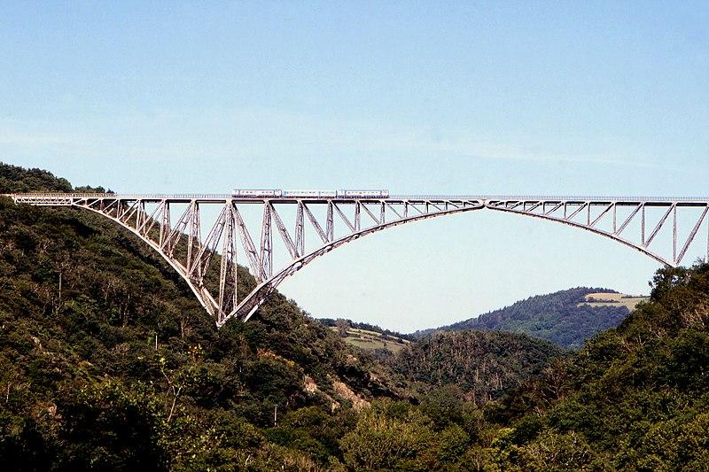 File:Viaduc du Viaur vue from west 02 08.jpg