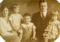 Waldemar Riese family c 1921.jpg