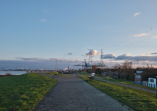 Walkway along the Scheldt leading to the Port of Antwerp (Doel, Belgium, DSCF3865).jpg