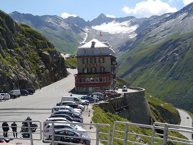 Половина швейцарских отелей, ресторанов могут обанкротиться в течение ближайших двух месяцев