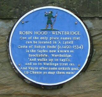 Wentbridge - A blue plaque commemorating Wentbridge's Robin Hood connections