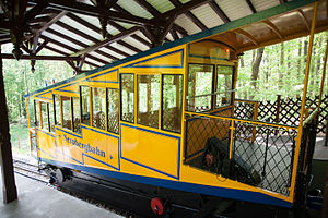 Nerobergbahn - A car of the Nerobergbahn funicular in the upper station.