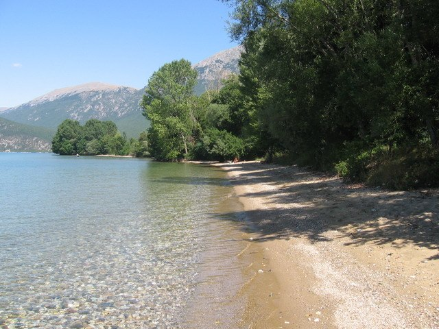 Wild beach-selo Ljubanista Ohrid