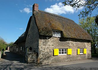 Wolvercote - 17th-century thatched cottage in Godstow Road
