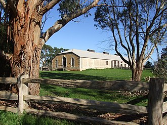 Glencoe, South Australia - Image: Woolshed WS morning sun