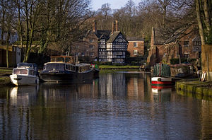 Bridgewater Canal - The packet house at Worsley, on the canal