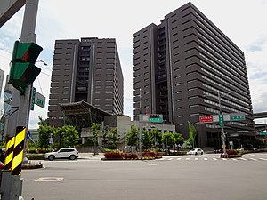 Xinzhuang Joint Office Tower, Executive Yuan - Image: Xinzhuang Joint Office Tower, Executive Yuan 20170728b