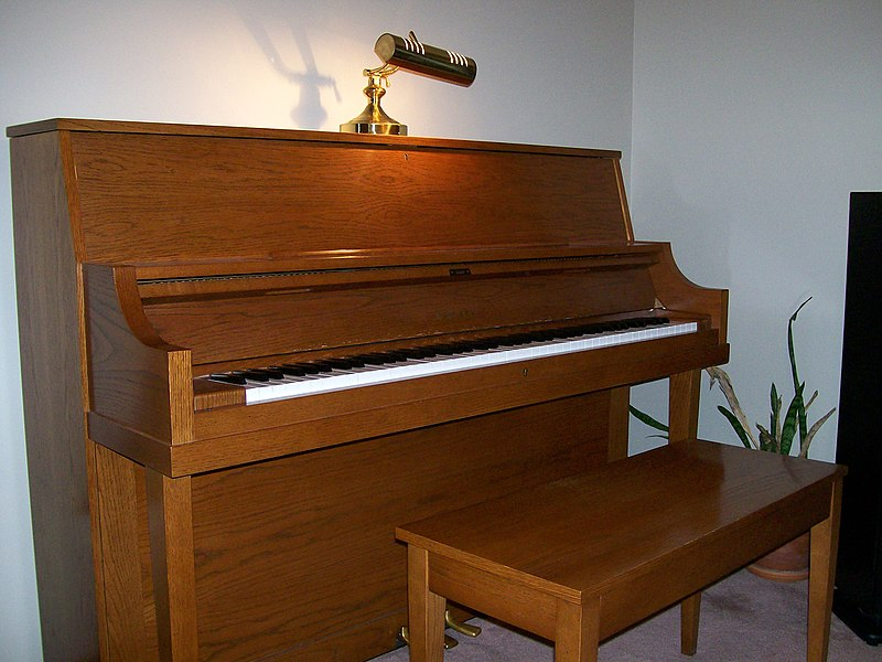 By Daryl Durand (Flickr: Piano Tuner Kansas City, MO) [CC-BY-2.0 (http://creativecommons.org/licenses/by/2.0)], via Wikimedia Commons