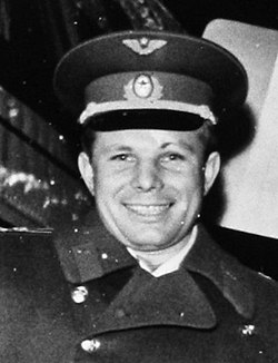 Yuri Gagarin in Sweden, 1964 (cropped) (2).jpg