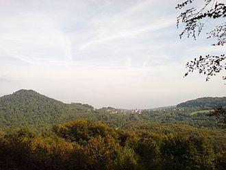 Étobon - Image: Étobon vu de la forêt