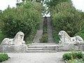 Алея зі львами в Олеському замку.JPG
