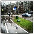 Велосипедная дорожка на пересечении улиц Миклухо-Маклая и Введенского. - panoramio.jpg