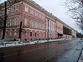 Главный фасад Головинского дворца слева.jpg