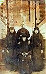 Настоятельница мать Домна с сестрами своей обители.jpg