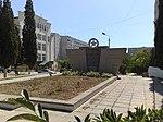 Памятник погибшим воинам и рабочим авиамастерских ЧФ - panoramio.jpg