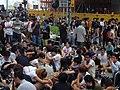 數千香港市民雲集政府總部聲援被困公民廣場學生 (9).jpg