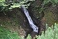 筑水池からの放水による滝 - panoramio.jpg