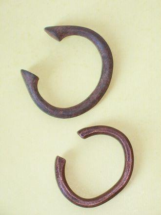 Manilla (money) - Two different variants of manilla