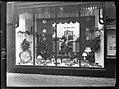 12-16-1947 03584 Etalage Hoyng (12236905536).jpg