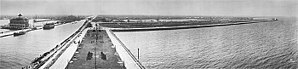 New Basin Canal - The New Basin Canal and adjacent West End Park in 1915, viewed from Lake Pontchartrain towards the City of New Orleans, three miles to the south.