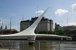 2011.10.17.162313 Puente de la Mujer Puerto Madero Buenos Aires.jpg
