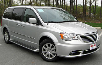 Chrysler Town & Country - Image: 2011 Chrysler Town & Country Touring L 04 22 2011