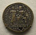 201209071748a Berlin Pergamonmuseum, Bronzemünze mit Asklepios und Zeus, Pergamon, kaiserzeitlich, VS Maximinus Thrax,.236-238 u.Z.jpg