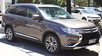 2015 Mitsubishi Outlander (ZK MY16) Ls 4WD ĉaro (2017-01-15) 01.jpg