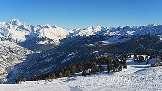 Savoie - Image: 2017.01.21. 02 Paradiski La Plagne Dos Rond Blick Richtung Les Arcs