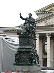 Monument of Max I Joseph in front of the National Theatre, Munich (Source: Wikimedia)