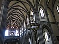251 Església nova de Santo Tomás de Canterbury (Sabugo, Avilés), volta de la nau i orgue.jpg