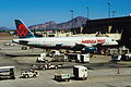 422ab - America West Airlines Airbus A320, N603AW@PHX,25.09.2006 - Flickr - Aero Icarus.jpg