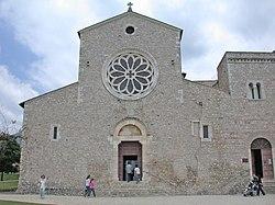 http://upload.wikimedia.org/wikipedia/commons/thumb/5/55/AbbaziaValvisciolo2.jpg/250px-AbbaziaValvisciolo2.jpg