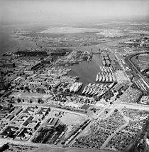 Aerial view of the Philadelphia Naval Shipyard Reserve Basin on 19 May 1955 (80-G-668655).jpg