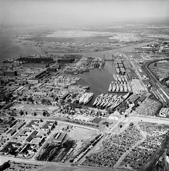 Reserve fleet - Ships of the U.S. Navy's Reserve Fleet in the Reserve Basin at the Philadelphia Naval Shipyard, 1956