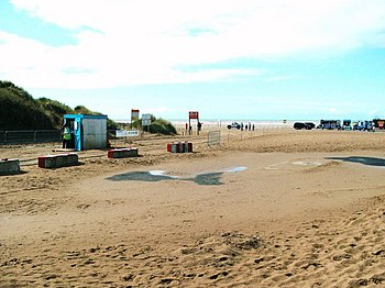 English: Ainsdale beach car park entrance