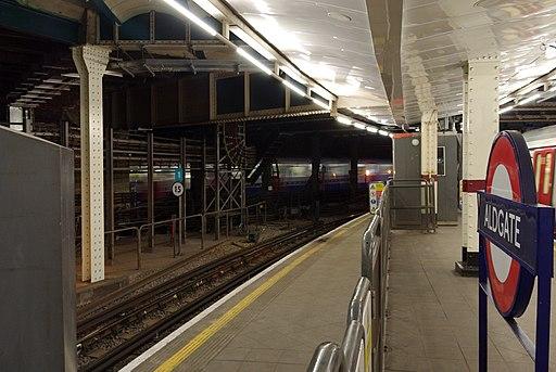 Aldgate tube station MMB 02