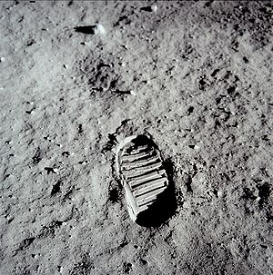 English: Footprint of Buzz Aldrin on the Moon