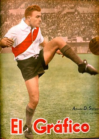 Alfredo Di Stéfano - Di Stéfano won the Primera División with River Plate in 1947